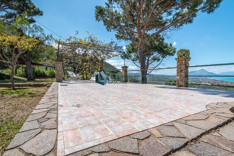 Villa Panorama con vista mare – semesterbostad i Capo