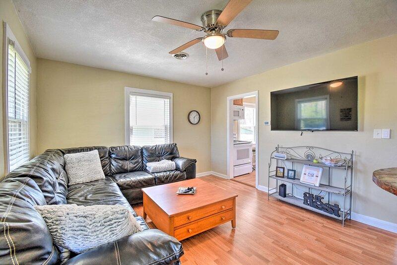 NEW! Attractive Hampton Cottage < 3 Mi to Downtown, location de vacances à Hampton