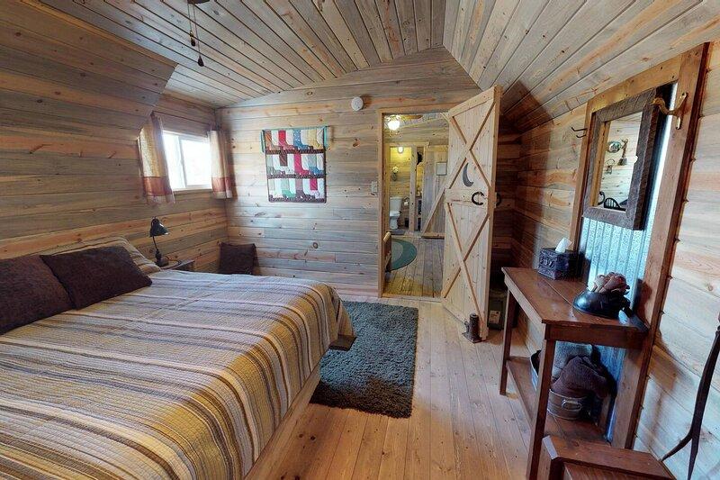 Silver Cabin in The Western Barn, location de vacances à Monticello