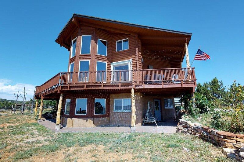 Juniper Ridge 5 BR Family Cabin, aluguéis de temporada em Blanding