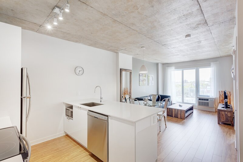 Corporate Stays | Hexagone 2 | Luxury 1 BR, casa vacanza a Brossard