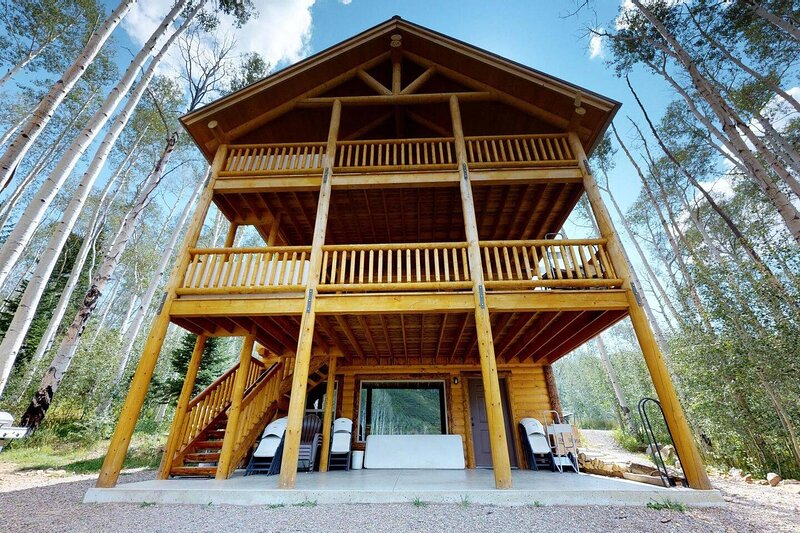 Camp Jackson 8 BR Lodge, holiday rental in Monticello