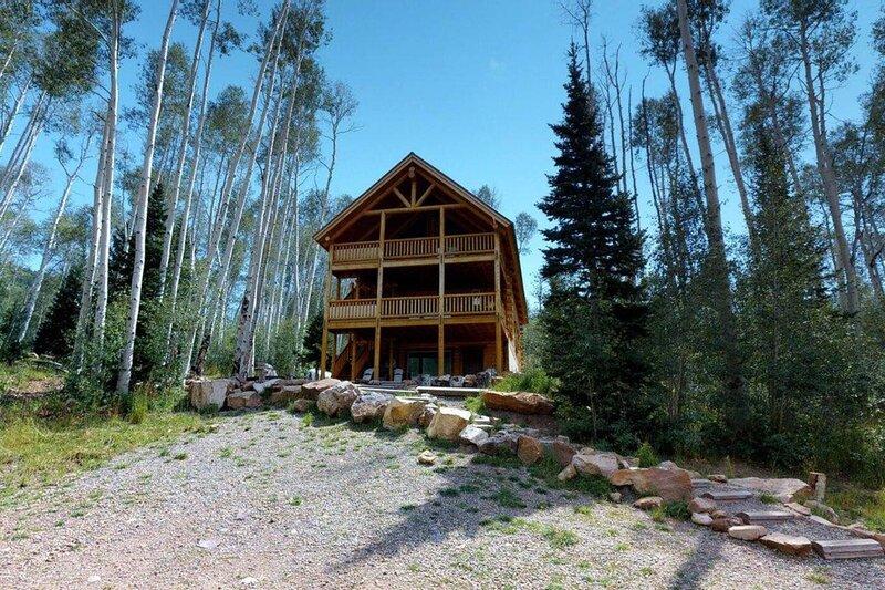 Camp Jackson 11 BR Resort, location de vacances à Monticello