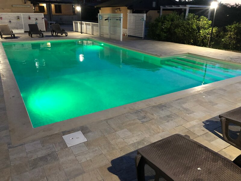 appartamento con una camera da letto in villa zagara, holiday rental in Piccio