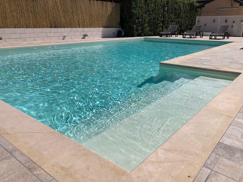 appartamento con due camere in villa zagara, holiday rental in Piccio