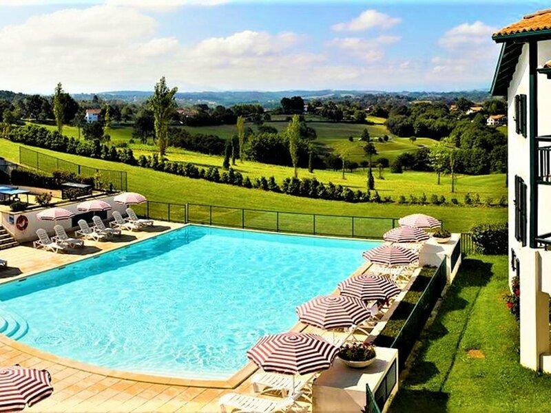 Arcangues  : Résidence avec piscine entre mer et montagnes, holiday rental in Arcangues