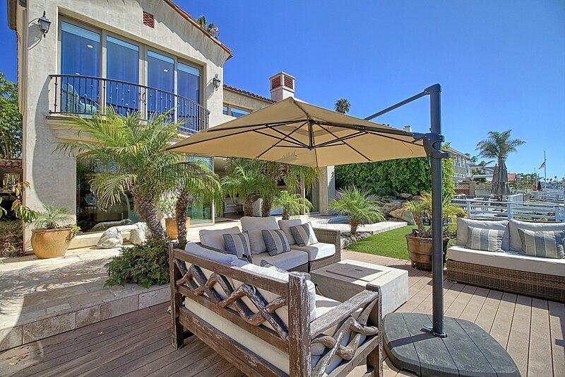 Large Ventura Keys Waterfront Home, holiday rental in Santa Paula