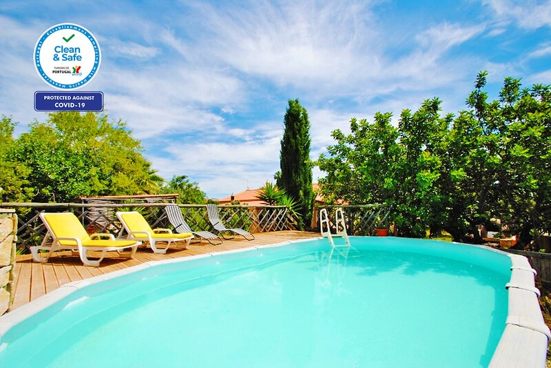 CHARMING COUNTRYSIDE VILLA W/ POOL, BBQ, PIZZA OVEN, WIFI & A/C, RELAXING VIEWS, alquiler vacacional en Paderne