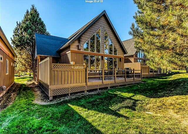 Exceptional Vacation Home with Private Hot Tub, holiday rental in Crooked River Ranch