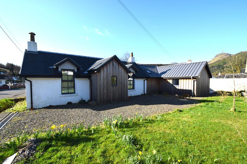 Arivean Cottage, holiday rental in Tarbet