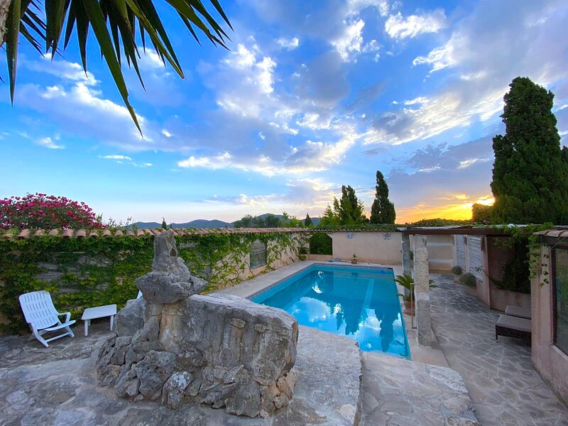 Adults Only Apartment - East Mallorca Manacor, vacation rental in Son Macia