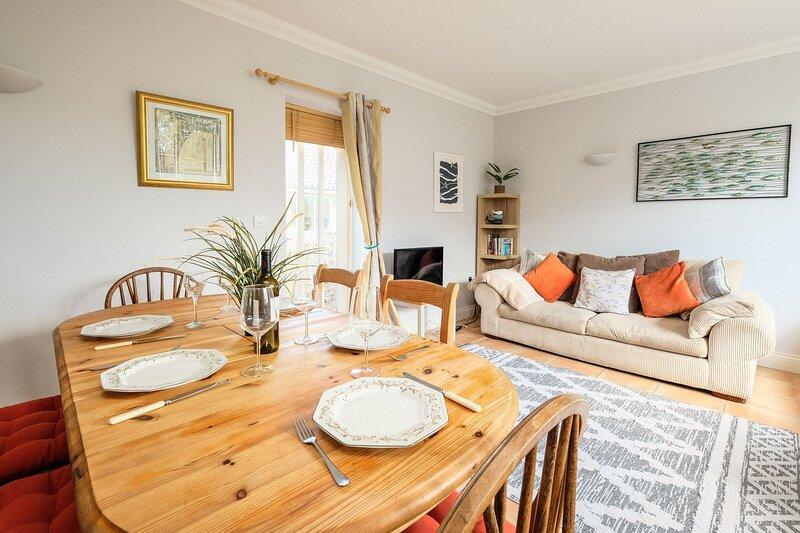 1 Hazlewood, holiday rental in Friston