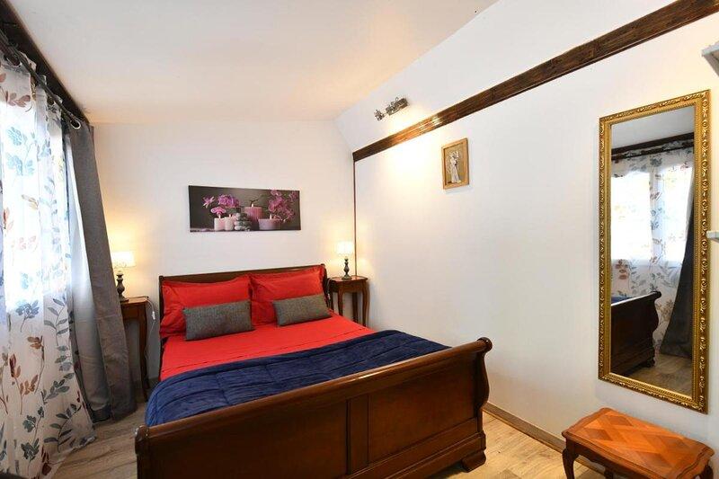 Lamarre aux anges - anges gardiens room, holiday rental in La Vineuse