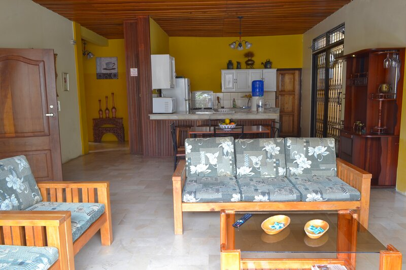 "Holiday Home - Casa Vacacional ""The Bougainvillea"", holiday rental in Tungurahua Province"