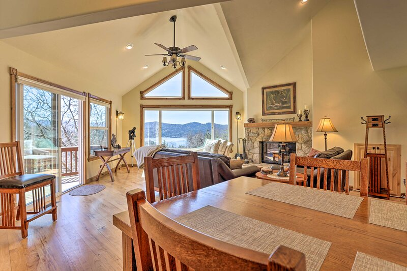 NEW! Quiet Family Cabin w/ Lake Arrowhead Views!, holiday rental in Victorville
