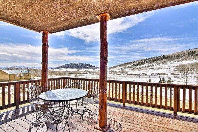 NEW! Round Hill Retreat: Breathtaking Mtn Views!, vacation rental in Hartsel