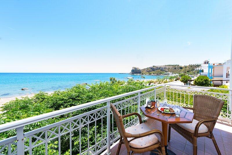 Stegna Dream - Apartment with Sea View  1, location de vacances à Stegna