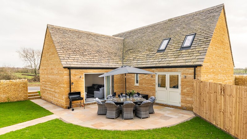 Rowan House Near Chipping Campden sleeps 8 guests  in 4 bedrooms, location de vacances à Stretton on Fosse