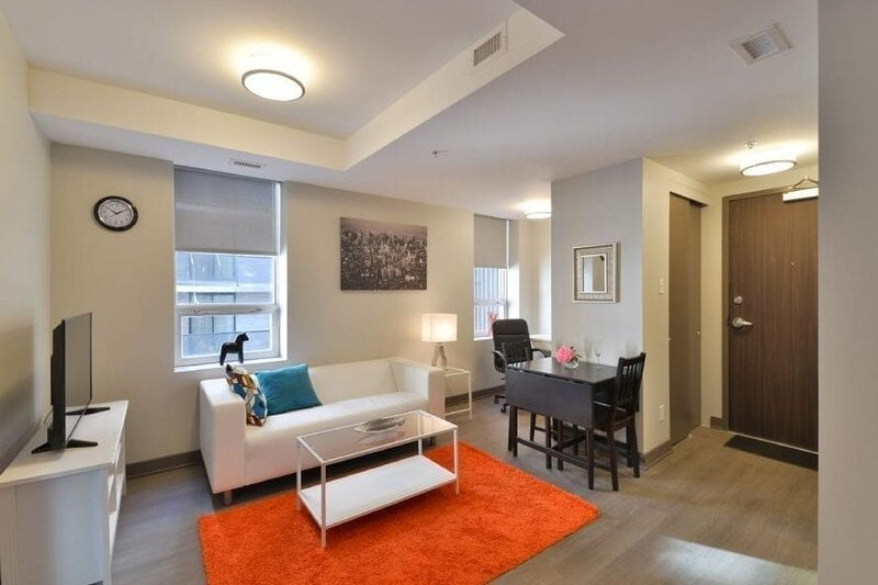 Corporate Stays | Lisgar | Polished 1BR, holiday rental in Overbrook
