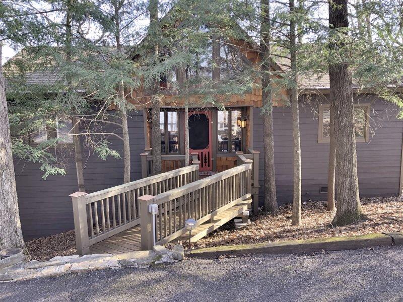 Canoe Believe It - Rental Home in Big Canoe, holiday rental in Jasper