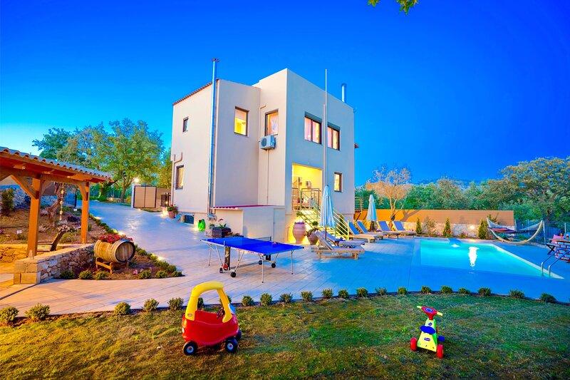 Villa Aclando Crete, holiday rental in Kastellos