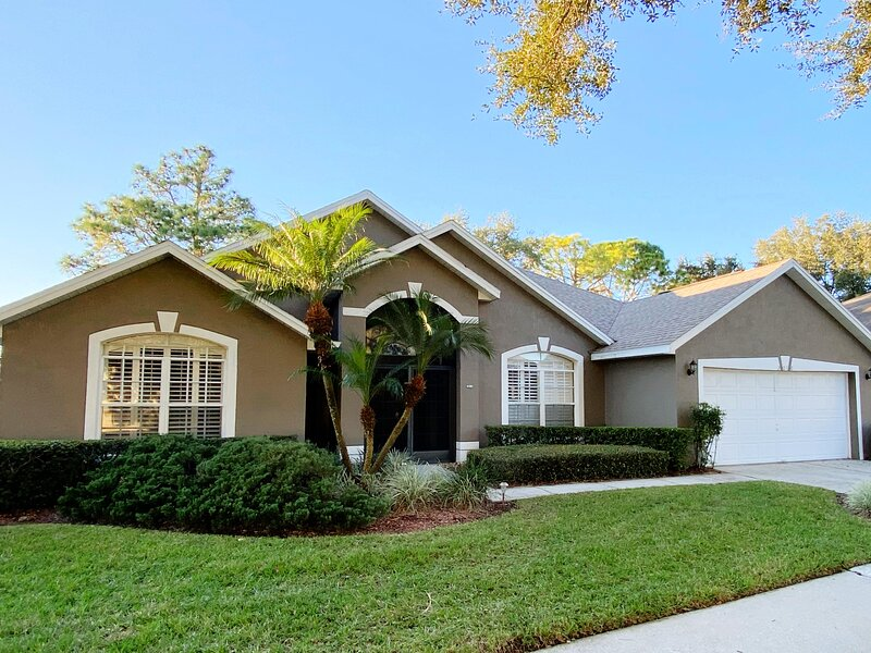 Updated golf course view home, alquiler vacacional en Lake Alfred