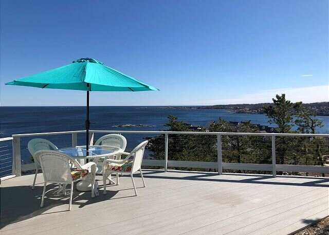 The View: A classic New England cottage with panoramic ocean views., casa vacanza a Cape Ann