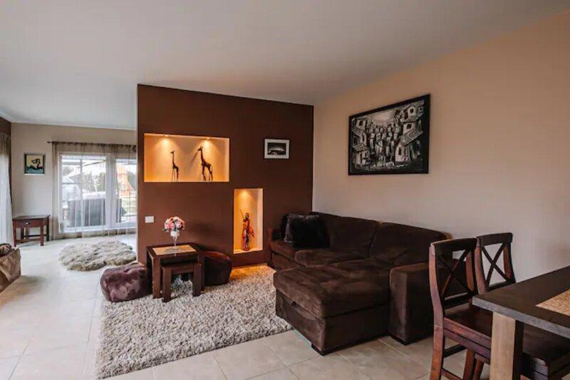 Calm and private Polas apartment, alquiler de vacaciones en Condado de Kaunas