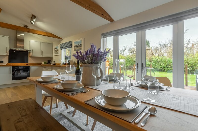Willow Lodge, holiday rental in Old Hunstanton