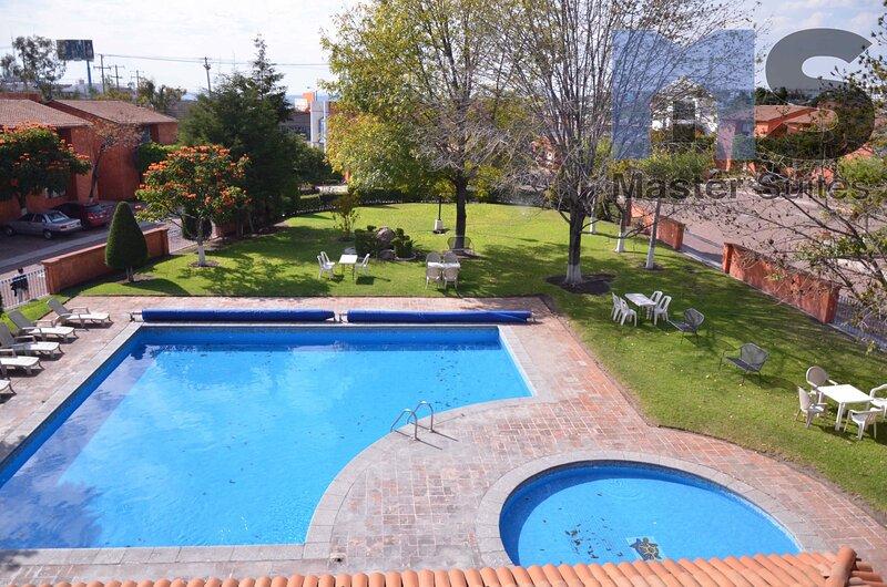 +MS +Contemporánea Suite +Privada Alberca +Av. B. Quintana, location de vacances à Queretaro