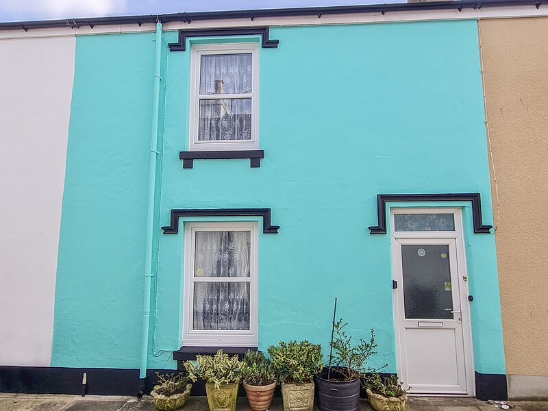 TOLVARNE, quirky interior, in Teignmouth, holiday rental in Teignmouth