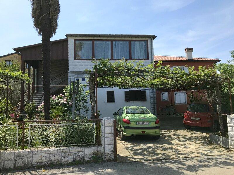 Appartamento Angela Umag-Punta, vicino alla spiaggia, Wi-Fi, barbecue, location de vacances à Umag