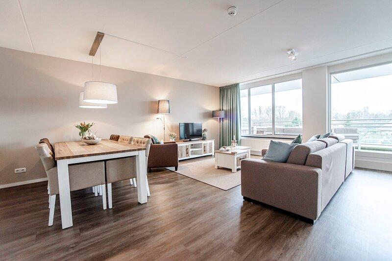 Spacious and luxurious apartment - Kaag Resort (26), location de vacances à Leiden