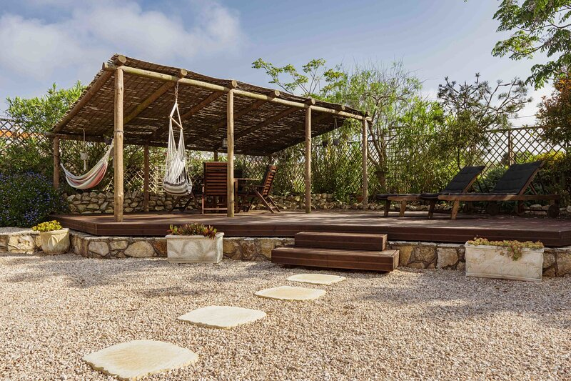 Skip's Apartment with pool, holiday rental in Praia da Arrifana