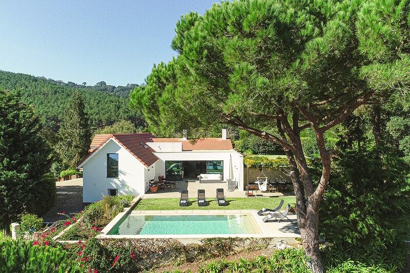 Villa Santamaria - New!, holiday rental in Galamares