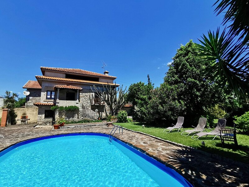 Detached Luxury Villa, location de vacances à Vila Verde