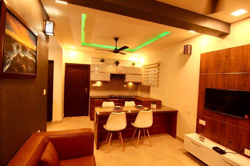 Luxury 3-Bed Serviced Apartment in Trivandrum, alquiler vacacional en Ponmudi