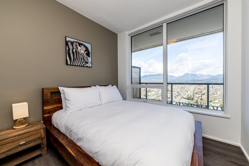Corporate Stays | Brentwood | Lavish 2 BR, casa vacanza a Burnaby