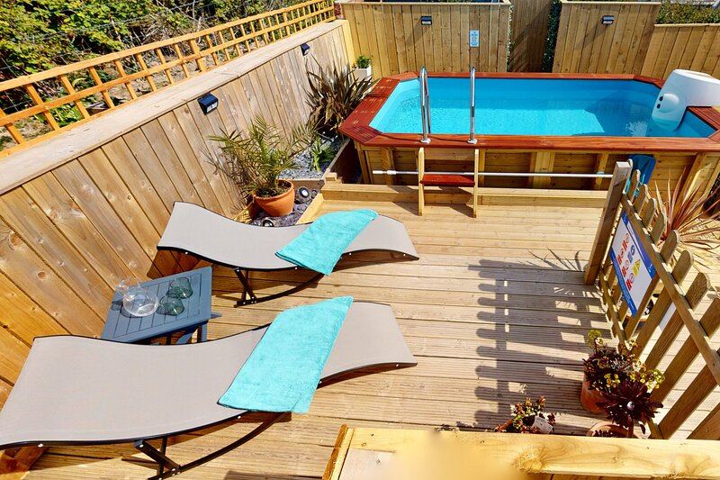 WOOLACOMBE LITTLE QUEST | 1 Bedroom - A fresh and vibrant modern holiday apartme, holiday rental in Woolacombe