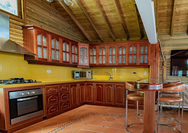 Eight bedrooms immaculate Vdra Villa, alquiler de vacaciones en Don Diego