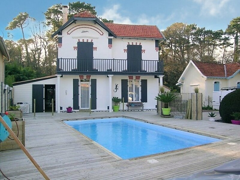 RONCE LES BAINS  RONCOISE INDIVIDUELLE AVEC WIFI ET PISCINE PRIVATIVE, holiday rental in Hiers-Brouage
