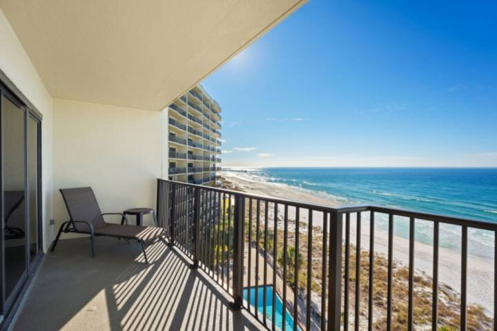 NEW LISTING: 2BR Beachfront, Private Balcony, Quiet East End, FREE WiFi, FREE Fu, vacation rental in Panama City Beach