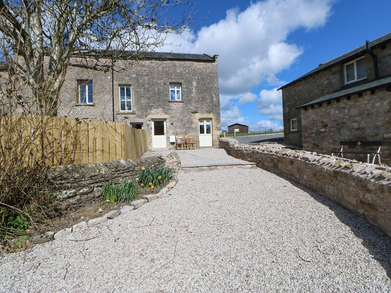 1 Crookenden Row, Kirkby Lonsdale, holiday rental in Leck