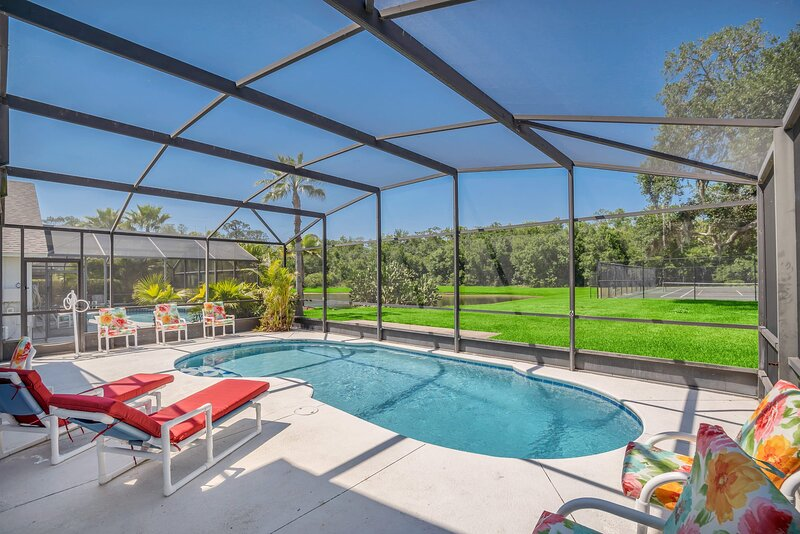 Spacious Pool Area and Game Room, Quiet Location Close to Disney #6LB73, casa vacanza a Intercession City