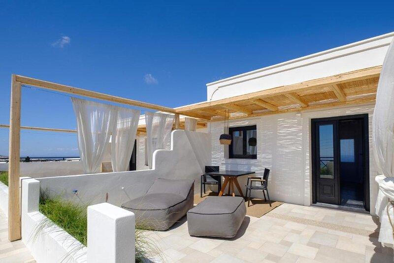 IfestAu.4 Deluxe Junior suite sea view. Suite 3, vakantiewoning in Athinios