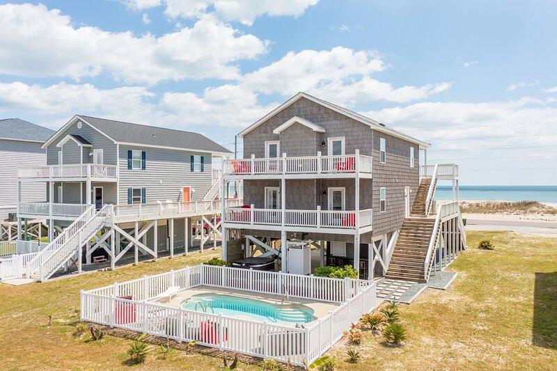 New River Inlet Rd 1255 Oceanview! | Private Pool, Internet, Pet Friendly, aluguéis de temporada em North Topsail Beach