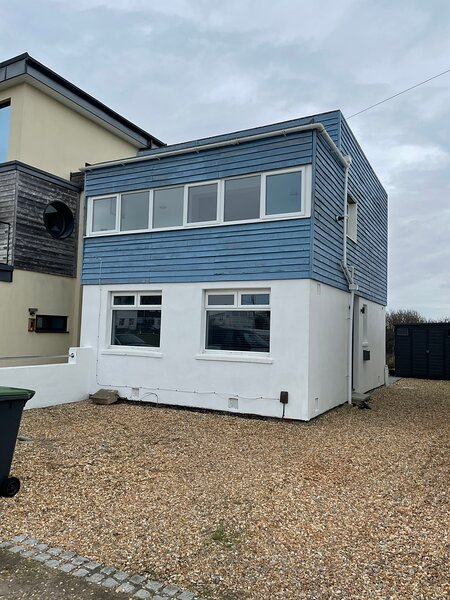 Stunning House Over looking Nature Reserve,on Private Estate ., vacation rental in Hayling Island