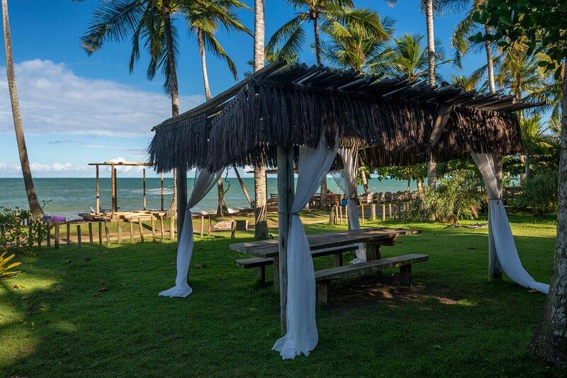 Jóia na Praia do Espelho, com lindo jardim e frente mar, holiday rental in Praia do Espelho