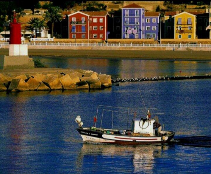 Casa de pescadores en primera línea de playa, location de vacances à Villajoyosa
