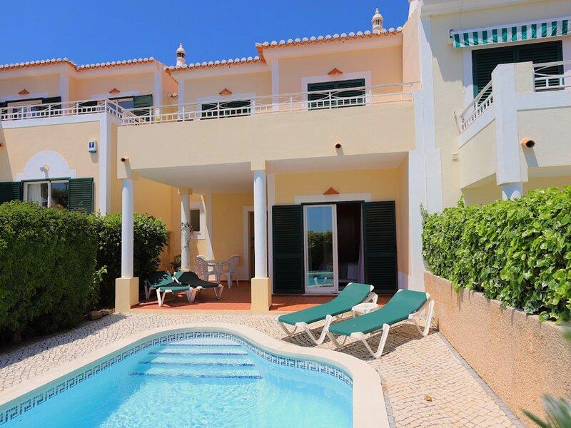 Casa Belamar. Spacious house in Praia da Luz with sea views and private pool., holiday rental in Espiche